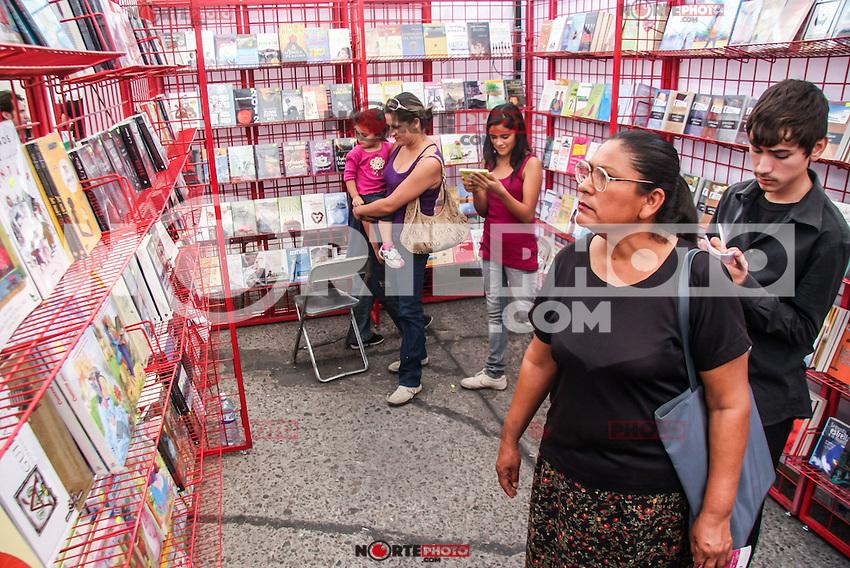 FERIA DEL LIBRO 2010. HILLOMEX.<br /> Aspectos de os stands de Feria del libro , durante la Feria del Libro en parque infantil.<br /> <br /> &copy;Foto: LuisGutierrezNORTEPHOTO