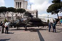 Roma 4  Maggio 2011. Mezzi militariin piazza Venezia per i 150° dell'anniversario della costituzione dell'Esercito Italiano..L'elicottero A129 Mangusta.