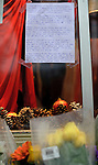 "NEWTOWN, CT - 16 December 2012-121612EC07--    Tributes to the victims and survivors of Friday's tragedy have sprung up across Newtown.  This handwrittten was taped up to the window outside a downtown retail shop.  The letter reminds people, ""If there's anything we can learn from the shooting at Sandy Hook Elementary is that we ALL need to slow down, simplify our lives, and take the time to appreciate our loved ones each and every moment.  Life is short, fragile.  If you don't do it now, you may not get another chance.""  Erin Covey Republican-American."