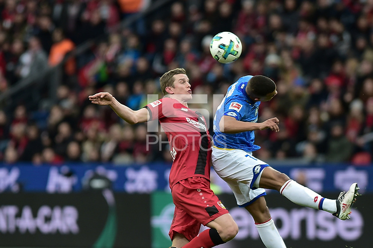 Football : Germany -1. Bundesliga  2017/18 <br /> Bayer Leverkusen 04 vs Mainz <br /> 28/01/2018 - Lars Bender (Bayer 04 Leverkusen), Robin Quaison  (FSV Mainz 05) *** Local Caption *** &copy; pixathlon<br /> Contact: +49-40-22 63 02 60 , info@pixathlon.de
