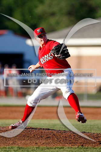 June 22, 2009:  Pitcher Eric Fornataro of the Batavia Muckdogs delivers a pitch during a game at Dwyer Stadium in Batavia, NY.  The Muckdogs are the NY-Penn League Short-Season Class-A affiliate of the St. Louis Cardinals.  Photo by:  Mike Janes/Four Seam Images
