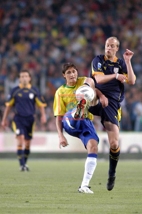 Edmilson vs Jordi Cruyff. Catalunya vs Brasil: 2-5