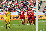 15.07.2017, Borussia Park, Moenchengladbach, GER, TELEKOM CUP 2017 Finale - SV Werder Bremen vs FC Bayern Muenchen<br /> <br /> im Bild<br /> Jubel zum 0:2, <br /> Felix G&ouml;tze / Goetze (FC Bayern Muenchen #20), James Rodr&iacute;guez(FC Bayern Muenchen #11), Juan Bernat (FC Bayern Muenchen #14), Michael Zetterer (Werder Bremen #30), <br /> <br /> Foto &copy; nordphoto / Ewert