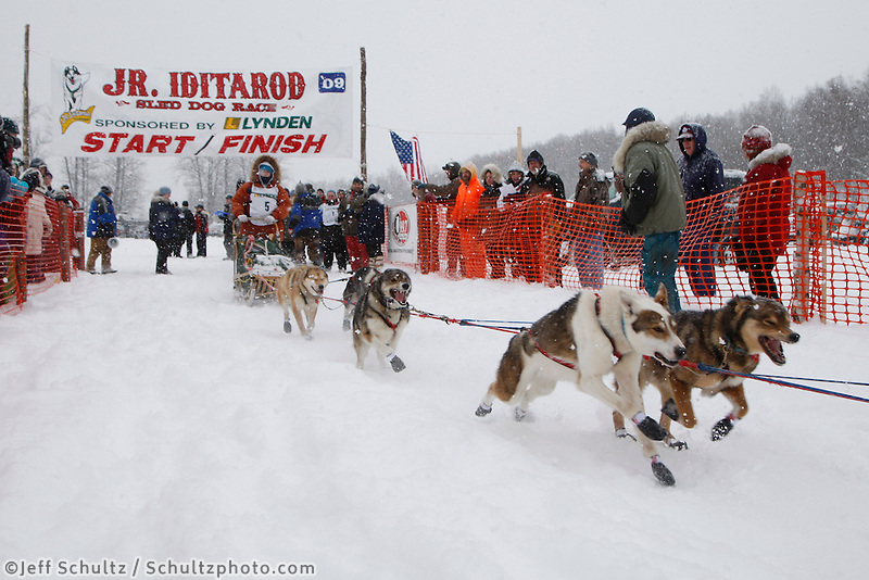 Taylar Holt of North Pole, AK leaves the start line of the 2009 Junior Iditarod on Knik Lake on Saturday Februrary 28, 2009.