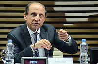 ATENÇÃO EDITOR: FOTO EMBARGADA PARA VEÍCULOS INTERNACIONAIS. SAO PAULO, 25 DE SETEMBRO DE 2012 - SKAF CONGRESSO RADIODIFUSAO - o presidente da Federacao das Industrias de Sao Paulo (FIESP), Paulo Skaf  durante o 17 Congresso de Radiodifusao do Estado de Sao Paulo - 90 anos do radio, na FIESP, na manha desta terca feira (25), dia do radio, na Avenida Paulista, regiao central da capital. FOTO: ALEXANDRE MOREIRA - BRAZIL PHOTO PRESS