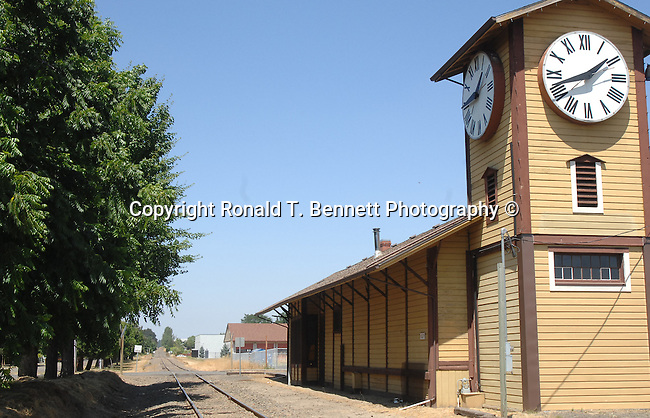 "Railroad station Portland Oregon, Portland Oregon, Spectacular rugged Oregon Coast, Spectacular views of Oregon Coast, Oregon, Fine art Photography and Stock Photography by Ronald T. Bennett Photography ©, FINE ART and STOCK PHOTOGRAPHY FOR SALE, CLICK ON  ""ADD TO CART"" FOR PRICING,"