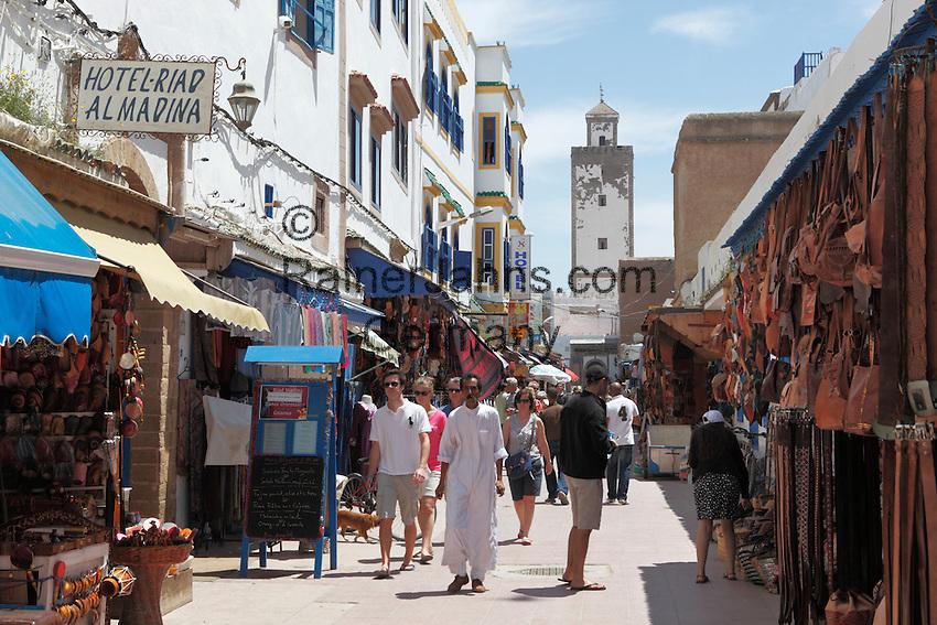 Marokko, Region Marrakesch-Tensift-El Haouz, Essaouira an der Atlantikkueste: Soukh in der Medina (Altstadt)   Morocco, Region Marrakesh-Tensift-El Haouz, Essaouira at the Atlantic Coast: The souk in the medina
