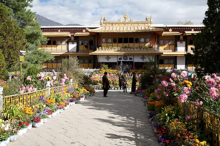 Norbulingka was the summer residence of the Dalai Lamas.  It is now a park.