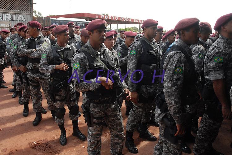 300 homens da polícia federal, força nacional de segurança e Ibama chegam a cidade de Tailândia para  operação arco de fogo.<br /> Foto Paulo Santos.<br /> 25/02/2008