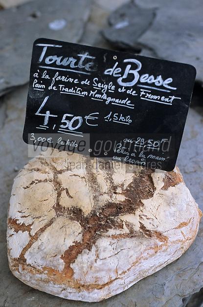 Europe/France/Rhône-Alpes/38/Isère/Besse en Oisans: la tourte de Besse pain au levain , pétri à la main et cuit au feu de bois par Yves Saint Pierre Boulanger