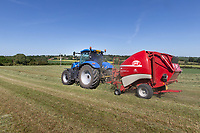 29.5.2020 Baling haylage in Lincolnshire <br /> ©Tim Scrivener Photographer 07850 303986<br />      ....Covering Agriculture In The UK.