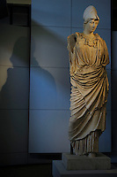 "Ex Centrale Termoelettrica Montemartini.Mostra permanente ""Le macchine e gli dei"", che accosta due mondi diametralmente opposti come l'archeologia classica e l'archeologia industriale, Roma, Italia..Exhibition of the Capitoline Museums in the former Montemartini Power Plant. We can see the permanent exhibition ""The machines and the gods"", which combines two diametrically opposed worlds classical archeology and industrial archeologo, Rome, Italy."