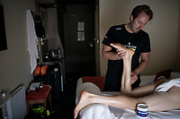 Team Mitchelton-Scott soigneur Joachim Schoonacker at work <br /> <br /> rest day 1<br /> 106th Tour de France 2019 (2.UWT)<br /> <br /> ©kramon