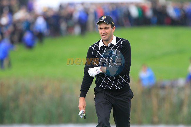 Edoardo Molinari arrives on the 11th green in the Session 2 Foursomes Match 2 during Day 2 of the The 2010 Ryder Cup at the Celtic Manor, Newport, Wales, 2nd October 2010..(Picture Eoin Clarke/www.golffile.ie)