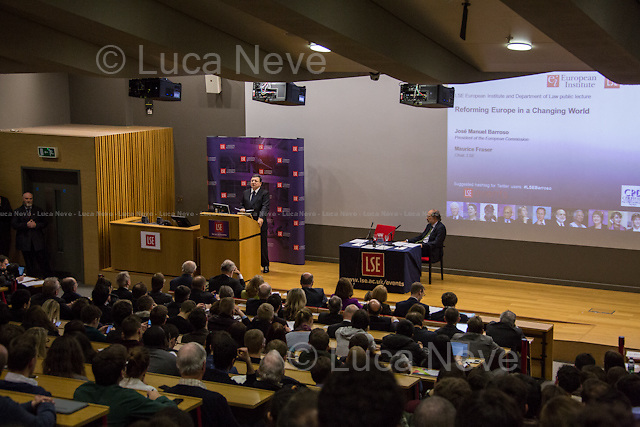 (From R to L) Jos&eacute; Manuel Barroso and Maurice Fraser. <br />
