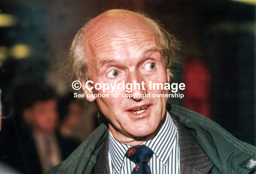 Donald Anderson, MP, Labour Party, Scotland, Westminster Parliament, 19930931/DA..Copyright Image from Victor Patterson, 54 Dorchester Park, Belfast, UK, BT9 6RJ..Tel: +44 28 9066 1296.Mob: +44 7802 353836.Voicemail +44 20 8816 7153.Skype: victorpattersonbelfast.Email: victorpatterson@mac.com.Email: victorpatterson@ireland.com (back-up)..IMPORTANT: If you wish to use this image or any other of my images please go to www.victorpatterson.com and click on the Terms & Conditions. Then contact me by email or phone with the reference number(s) of the image(s) concerned.