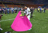 FUSSBALL  CHAMPIONS LEAGUE  FINALE  SAISON 2015/2016   Real Madrid - Atletico Madrid                   28.05.2016 Sergio Ramos (Real Madrid)  gibt den Torero