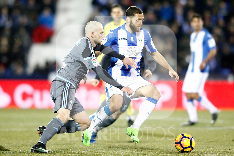 CD Leganes' David Timor (r) and Celta de Vigo's John Guidetti during La Liga match. January 28,2017. (ALTERPHOTOS/Acero)