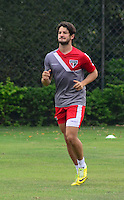 SÃO PAULO.SP.26.08.2014 - TREINO SÃO PAULO  - Alexandre Pato, durante o treino do São Paulo F.C na manha desta terça-feira 26 no CT da Barra Funda região oeste.  ( Foto: Bruno Ulivieri / Brazil Photo Press )
