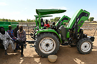 "MALI, Gao, official event with GIZ in village BAGOUNDJÉ, handing over of Foton tractors for a farming cooperative / GIZ Veranstaltung im Dorf BAGOUNDJÉ, Programm ""PASP"" – Projet d'appui à la stabilisation et à la paix au Mali, Übergabe von Foton Traktoren und landwirtschaftliches Gerät an eine Farmer Kooperative"