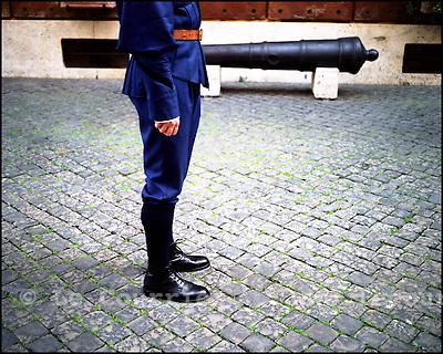 Vatican, le 25.11.2003.L'école de recrue des gardes pontificaux suisse se déroule au sein du Vatican..© J.-P. Di Silvestro / Le Courrier