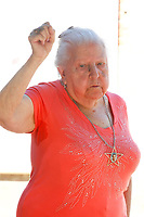 Paquita (92yo) sings the International song