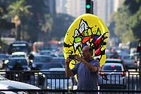 Sao Paulo (SP), 24/072019 - Esculturas gigantes de orelhas podem ser vistas na Avenida Paulista, nesta quarta-feira, 24. As obras fazem parte da Ear Parade SP 2019, que promove arte de rua para alertar sobre a importância da saúde auditiva. ( Foto Charles Sholl/Brazil Photo Press)
