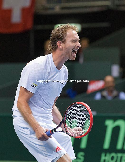 Switserland, Genève, September 19, 2015, Tennis,   Davis Cup, Switserland-Netherlands, Doubles: Matwe Middelkoop jubilates<br /> Photo: Tennisimages/Henk Koster