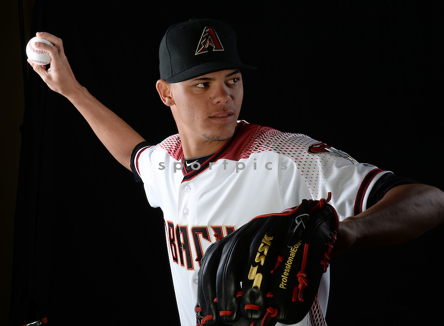 Arizona Diamondbacks Yoan Lopez (32) during photo day on February 28, 2016 in Scottsdale, AZ.
