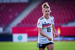 31.08.2019, Auestadion, Kassel, GER, DFB Frauen, EM Qualifikation, Deutschland vs Montenegro , DFB REGULATIONS PROHIBIT ANY USE OF PHOTOGRAPHS AS IMAGE SEQUENCES AND/OR QUASI-VIDEO<br /> <br /> im Bild | picture shows:<br /> Einzelaktion Linda Dallmann (DFB Frauen #16), <br /> <br /> Foto © nordphoto / Rauch