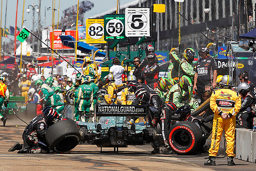 22-24, July, 2011, Edmonton, Alberta, Canada<br /> JR Hildebrand pit stop<br /> (c) 2011 Perry Nelson<br /> LAT Photo USA