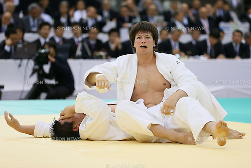 (L to R) Daiki Kamikawa, Ryu Shichinohe (JPN), May 12, 2013 - Judo : All Japan Selected Judo Championships, Men's +100kg class final at Fukuoka Convention Center, Fukuoka, Japan. (Photo by Yusuke Nakanishi/AFLO SPORT)