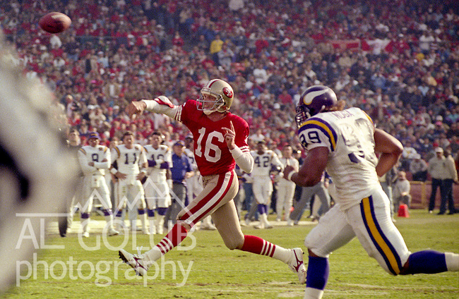 San Francisco 49ers vs Minnesota Vikings at Candlestick Park Saturday, January 6, 1990..49ers beat Vikings 41-13.49er quarterback Joe Montana (16) throws on the run..