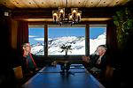 Joël Mesot, président de l'EPFZ à Zurich avec Martin Vetterli, présidentde l'EPFL à Lausanne ensemble à laJungfraujoch. Jungfraujoch juillet 2020