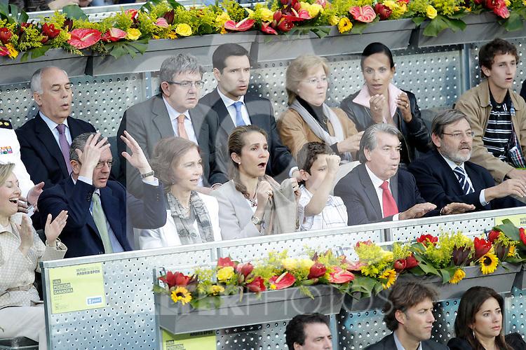 Queen Sofia of Spain, Prince Elena with her son Felipe Juan Froilan de Todos los Santos, Manolo Santana and the Mayor of  Madrid City Alberto Ruiz-Gallardon in the Tennis Madrid Open ATP Singles Final, May 16,2010..(Alfaqui/Cesar Cebolla)