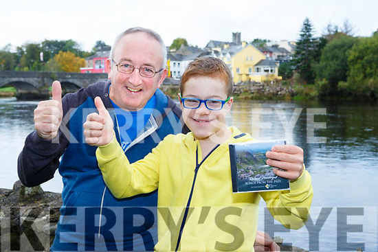 Adam Dunphy Glencar gives Richard Prendergast the thumbs up for his new CD Songs From the Past with all the proceeds being donated to Kerry Down Syndrome