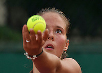 Paris, France, 28 June, 2016, Tennis, Roland Garros, Daria Kasatkina (RUS) serves<br /> Photo: Henk Koster/tennisimages.com