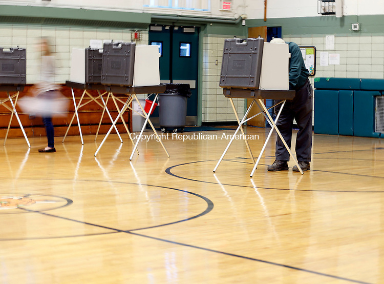 Waterbury, CT- 08 November 2016-110816CM05- Voters cast their ballots at Blessed Sacrament School in Waterbury on Tuesday.   Christopher Massa Republican-American
