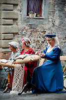 On the 29th June a festival is held in the historic centre of Anghiari to commemorate the Battle of Anghiari (1440). Women dress in medieval costumes and practice the tradition of the 'Merletto a tombolo' bobbin lace or pillow lace, in the streets as they did centuries ago.