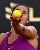 BOGOTA - COLOMBIA – 12 – 04 - 2017: Sara Sorribes Tormo de España, se prepara para servir a Katerina Siniakova de Republica Checa, durante partido por el Claro Colsanitas WTA, que se realiza en el Club Los Lagartos de la ciudad de Bogota. / Sara Sorribes Tormo from Spain, prepares to serve to Katerina Siniakova from Czech Republic, during a match for the WTA Claro Colsanitas, which takes place at Los Lagartos Club in Bogota city. Photo: VizzorImage / Luis Ramirez / Staff.