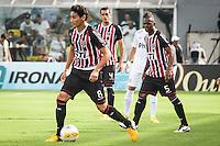 ATENÇÃO EDITOR: FOTO EMBARGADA PARA VEÍCULOS INTERNACIONAIS SANTOS,SP,03 FEVEREIRO 2013 - CAMPEONATO PAULISTA - SANTOS x SÃO PAULO  -PH Ganso  jogador do São Paulo  durante partida Santos x São Paulo válido pela 05º rodada do Campeonato Paulista no Estádio Urbano Caldeira (Vila Belmiro) na tarde deste domingo (03).FOTO: ALE VIANNA -BRAZIL PHOTO PRESS).