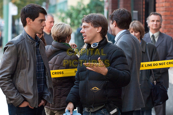 NICHOLAS D'AGOSTO and director STEVEN QUALE.on the set of Final Destination 5.*Filmstill - Editorial Use Only*.CAP/FB.Supplied by Capital Pictures.