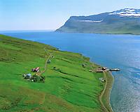Brekka, séð til suðausturs Mjóifjörður, Mjóafjarðarhreppur /.Brekka, viewing southeast Mjoifjordur, Mjoafjardarhreppur