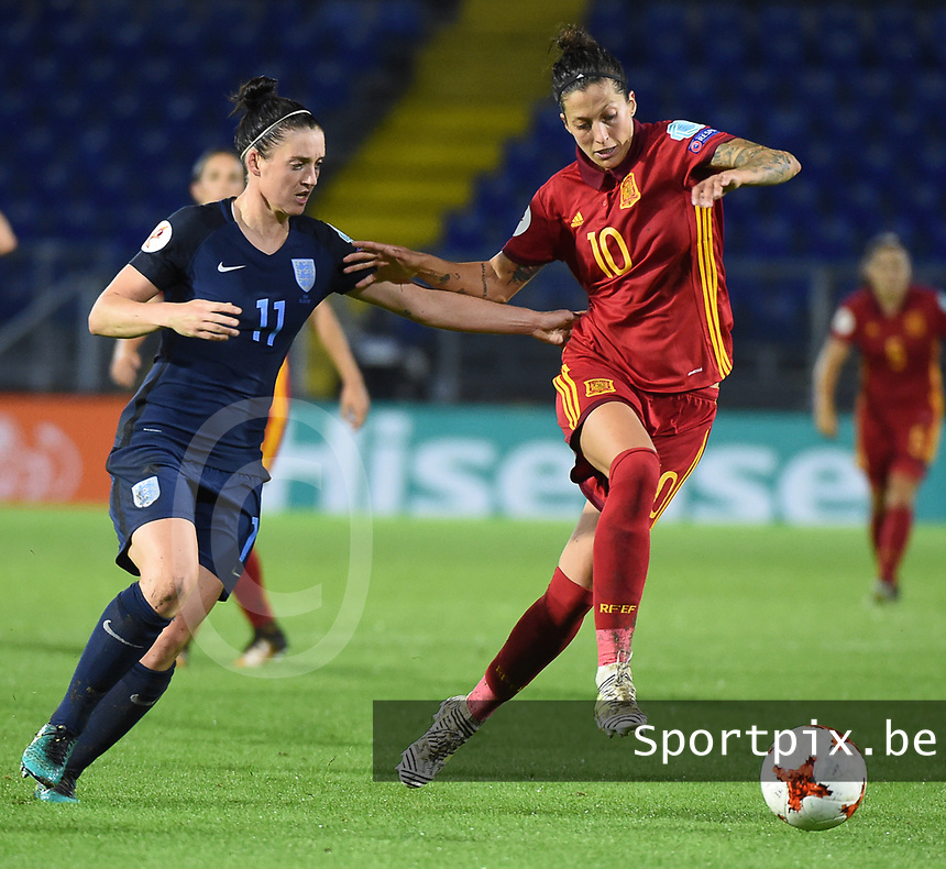 20170723 - BREDA , NETHERLANDS : English Jade Moore (L) and Spanish Jennifer Hermoso (R) pictured during the female soccer game between England and Spain  , the second game in group D at the Women's Euro 2017 , European Championship in The Netherlands 2017 , Sunday 23 th June 2017 at Stadion Rat Verlegh in Breda , The Netherlands PHOTO SPORTPIX.BE | DIRK VUYLSTEKE