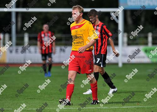 2010-09-13 / Voetbal / seizoen 2010-2011 / KFC Duffel / Simon Vergaelen..Foto: Mpics