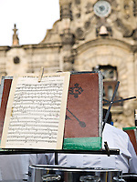 Musical evening at Plaza de Armas in Guadalajara.