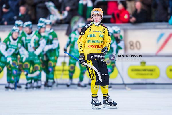 Stockholm 2014-02-16 Bandy SM-kvartsfinal 1 Hammarby IF - Vetlanda BK :  <br /> Vetlandas Pontus Blomberg deppar<br /> (Foto: Kenta J&ouml;nsson) Nyckelord:  depp besviken besvikelse sorg ledsen deppig nedst&auml;md uppgiven sad disappointment disappointed dejected