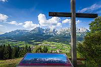 Austria, Tyrol, Reith near Kitzbuhel, above Going: panoramic view at Wilder Kaiser mountains   Oesterreich, Tirol, Reith bei Kitzbuehel, oberhalb von Going: Panoramablick auf das Wilder Kaiser Gebirge
