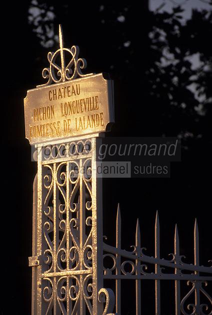 Europe/France/Aquitaine/Gironde/Pauillac : AOC Médoc-Pauillac - Château Pichon Longueville Comtesse de Lalande - Le portail