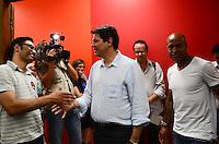 ATENCAO EDITOR: FOTO EMBARGADA PARA VEICULOS INTERNACIONAIS. SAO PAULO, 25 DE OUTUBRO DE 2012 - ELEICOES 2012 HADDAD - O jogador do Palmeiras, Marcos Assuncao durante reuniao no diretorio municipal do PT, regiao central, onde declarou apoio ao candidato Fernando Haddad, no inicio da tarde desta quinta feira, 25. FOTO: ALEXANDRE MOREIRA - BRAZIL PHOTO PRESS